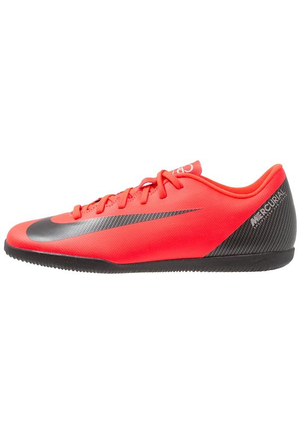chaussure foot en salle